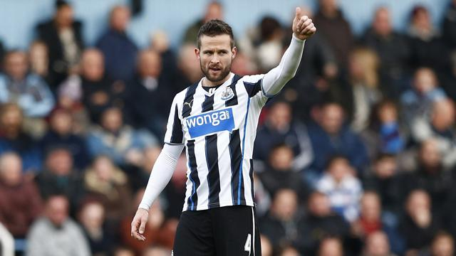 Yohan Cabaye gives the Newcastle bench the thumbs up (Reuters)