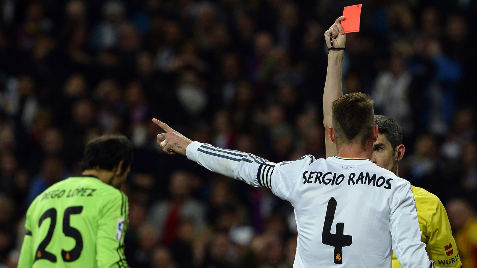 Sergio Ramos gets red card in the game of Real and Barcelona