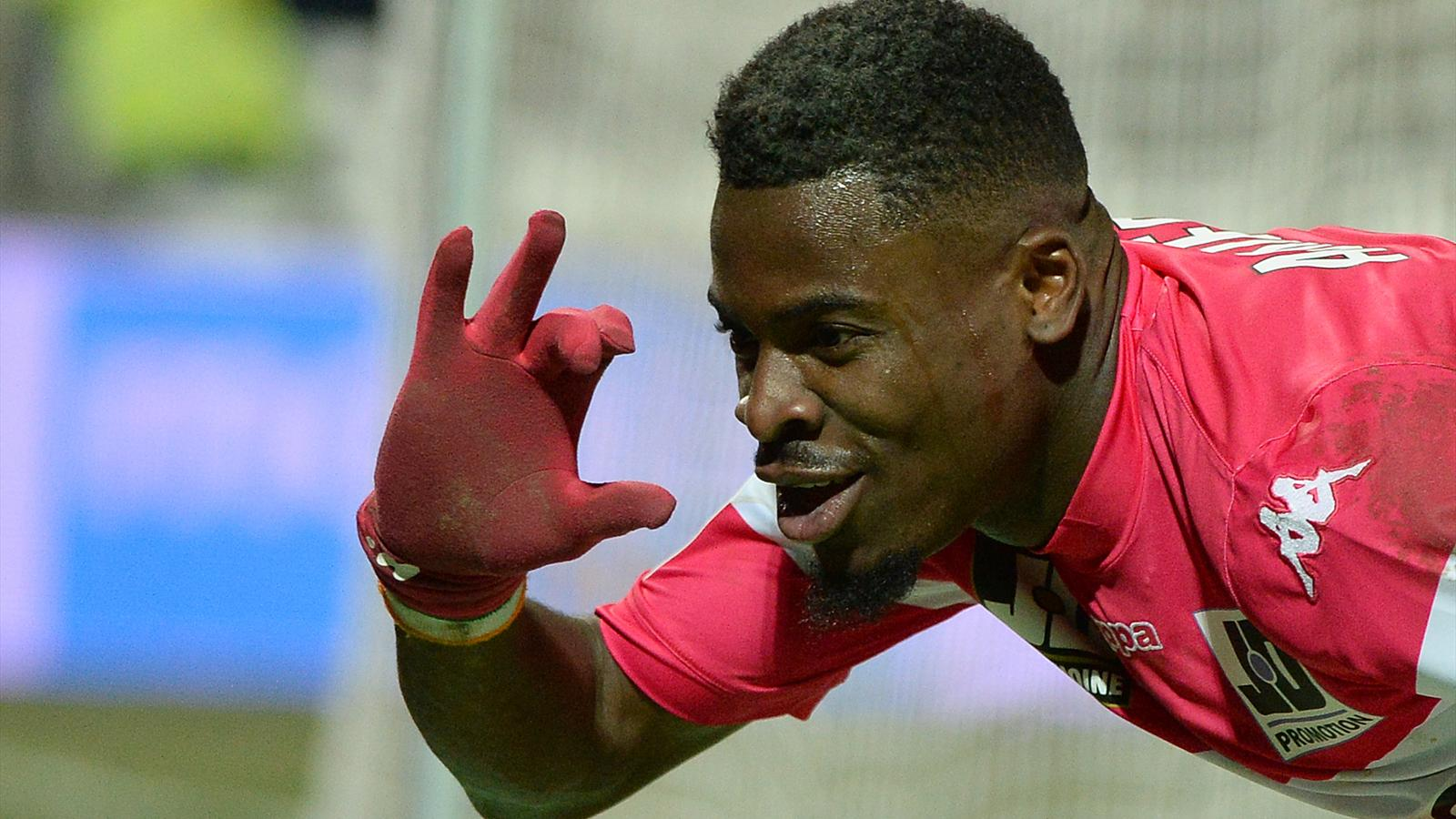 Aurier drague le PSG thumbnail
