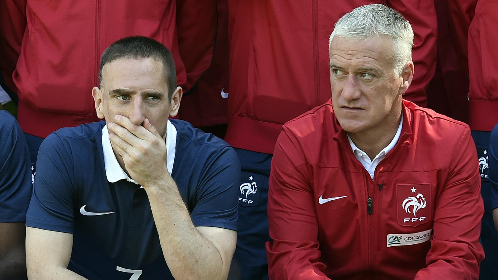 Faces closed by Franck Ribéry and Didier Deschamps during the official photo of the French team.