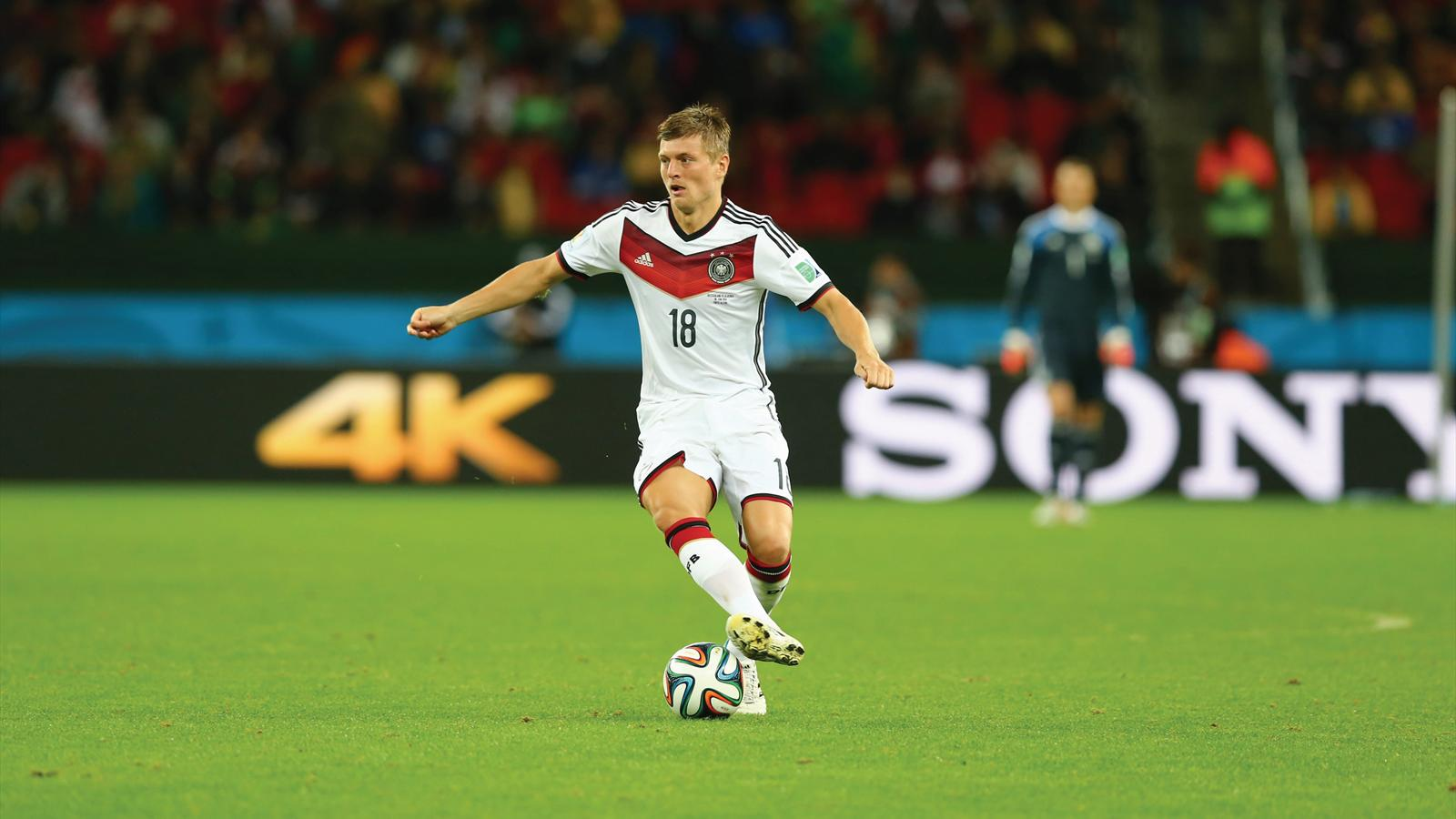 Toni Kroos has played down speculation that he is about to sign for Real Madrid (Getty Images)