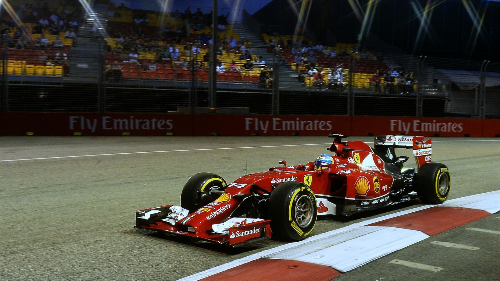 grand prix de singapour fernando alonso ferrari devant des mercedes qui cacheraient leur jeu. Black Bedroom Furniture Sets. Home Design Ideas