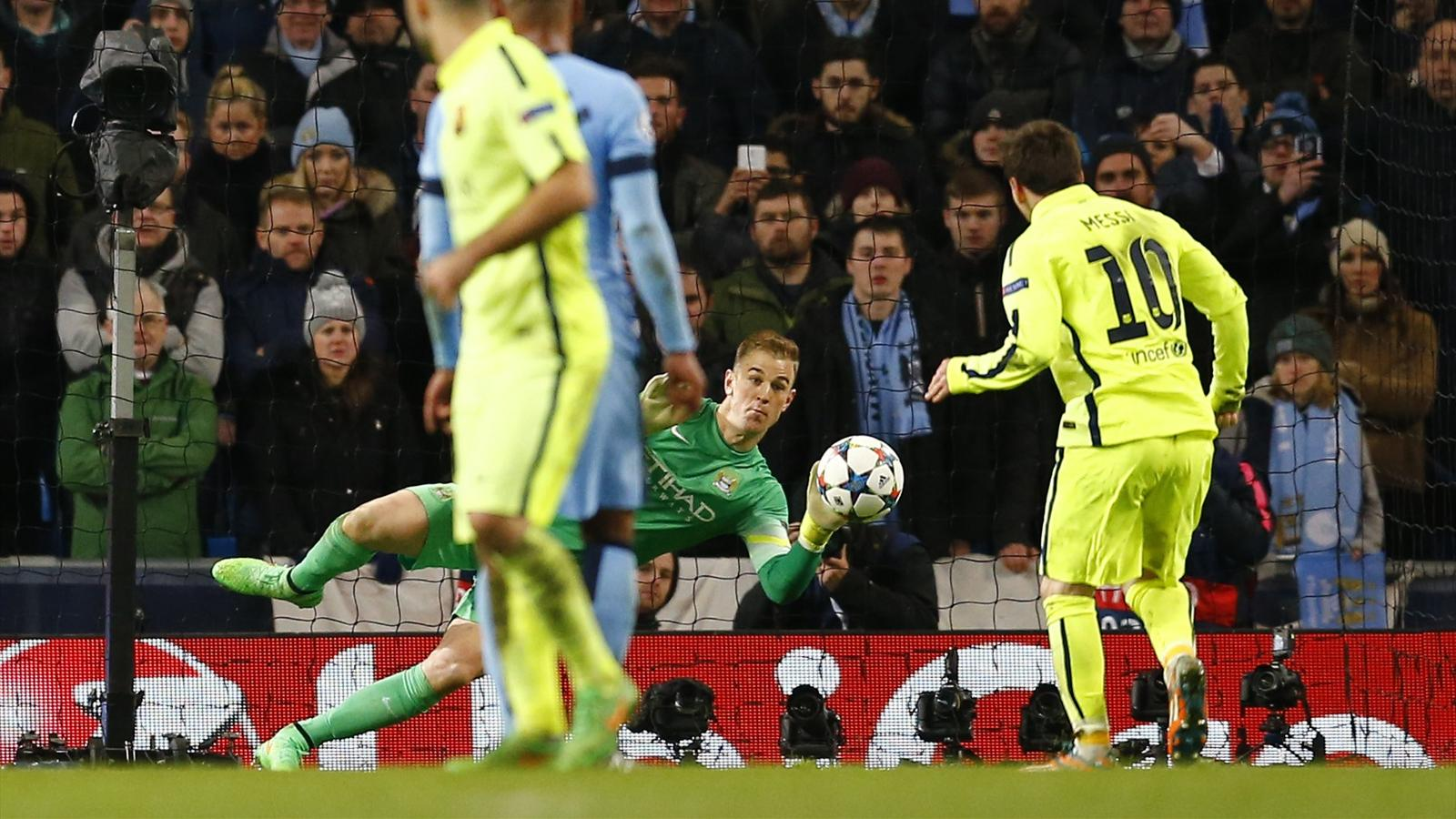Joe Hart (Manchester City) repousse le penalty de Lionel Messi (Barça)