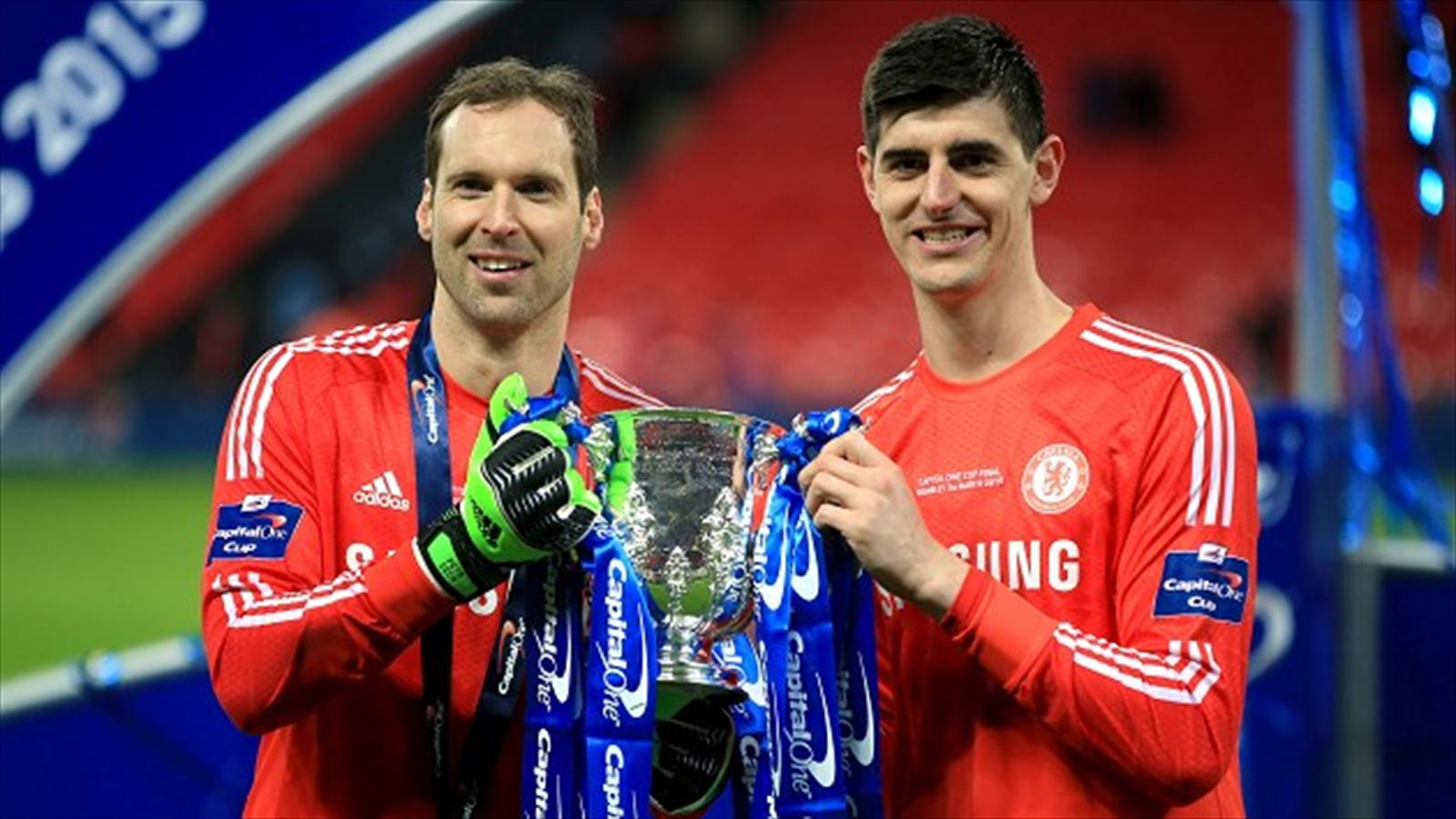 Arsenal's new signing Petr Cech and former Chelsea team-mate Thibaut Courtois
