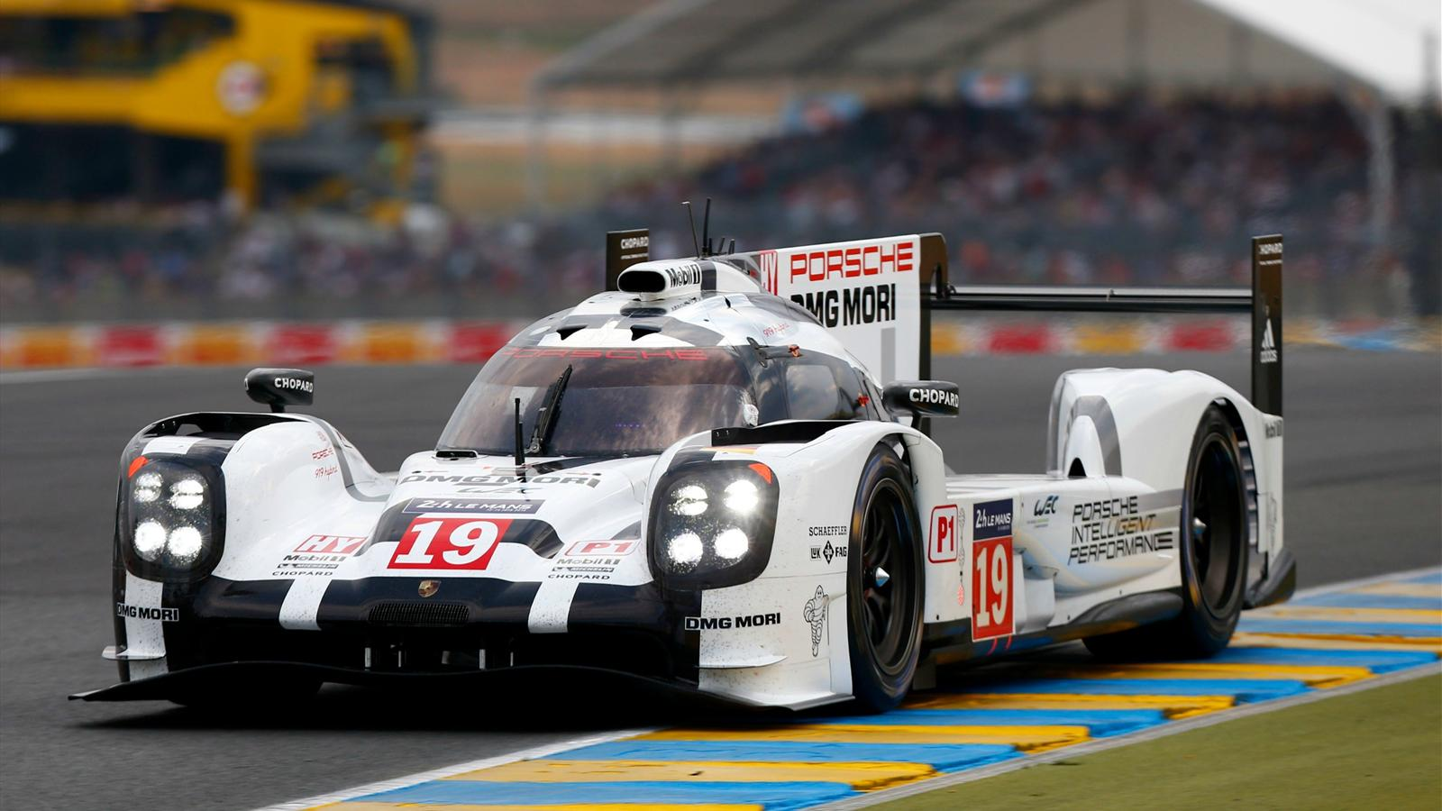 comment porsche d finitivement fait plier audi le film de la journ e 24 heures du mans. Black Bedroom Furniture Sets. Home Design Ideas