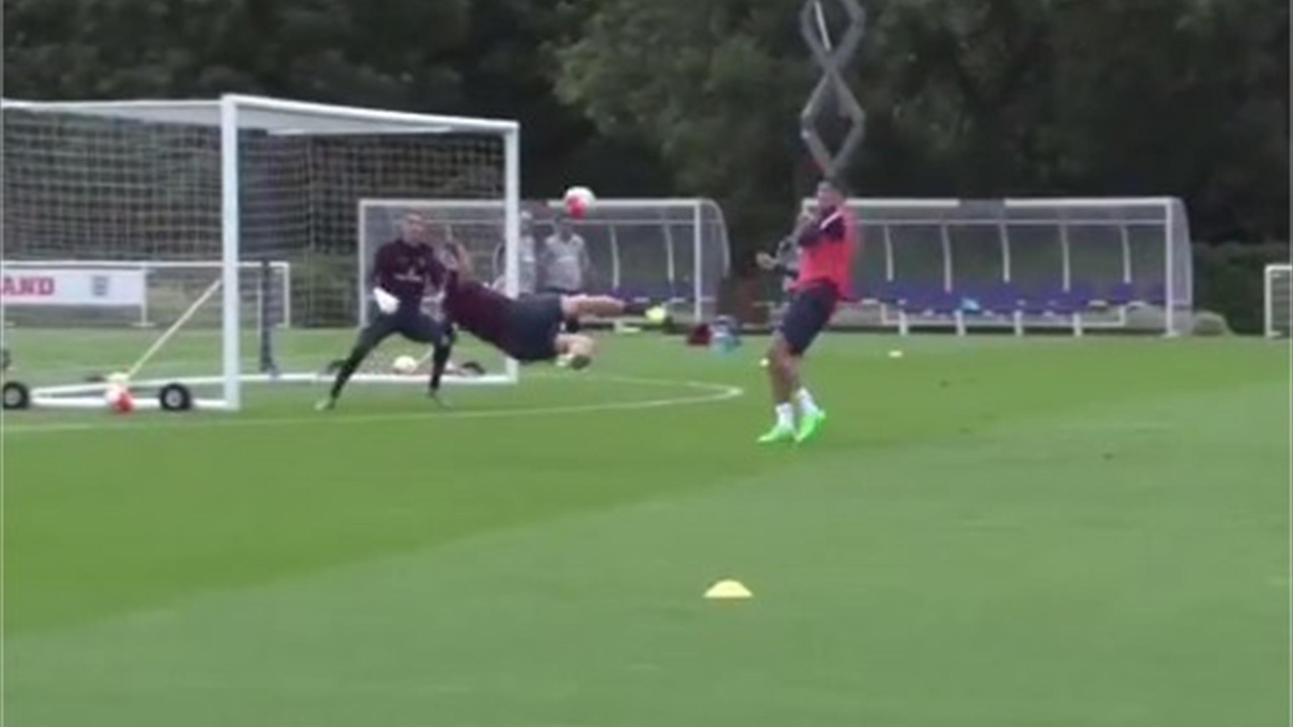 Phil Jagielka scores an amazing overhead goal in training for England (Instagram)