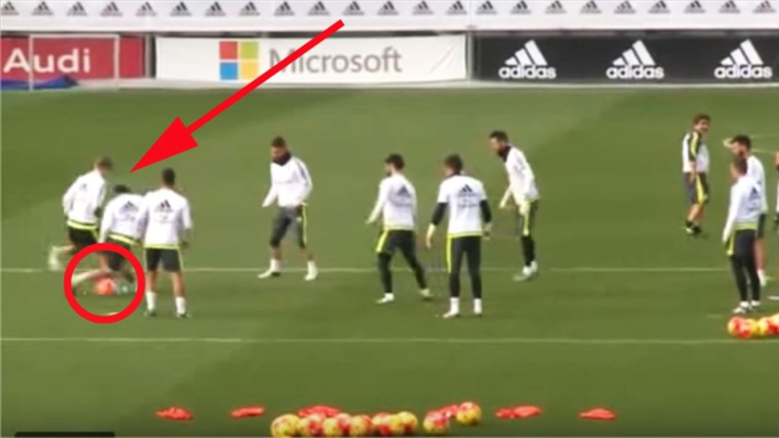 Toni Kroos pulls off brilliant backheel nutmeg in Real Madrid training (Youtube)