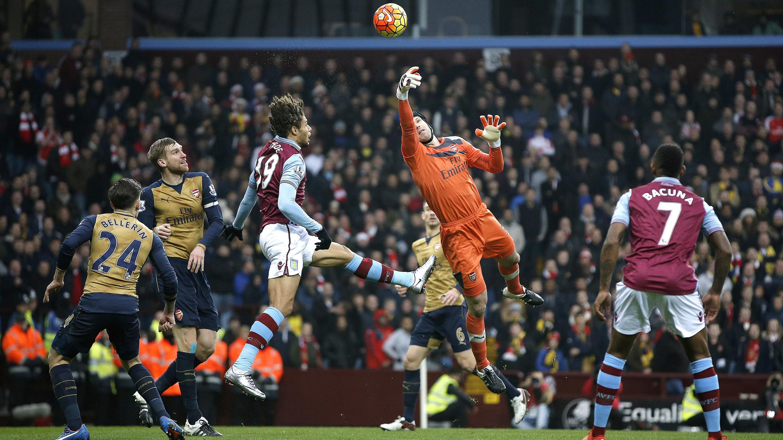Petr Cech in action for Arsenal against Aston Villa