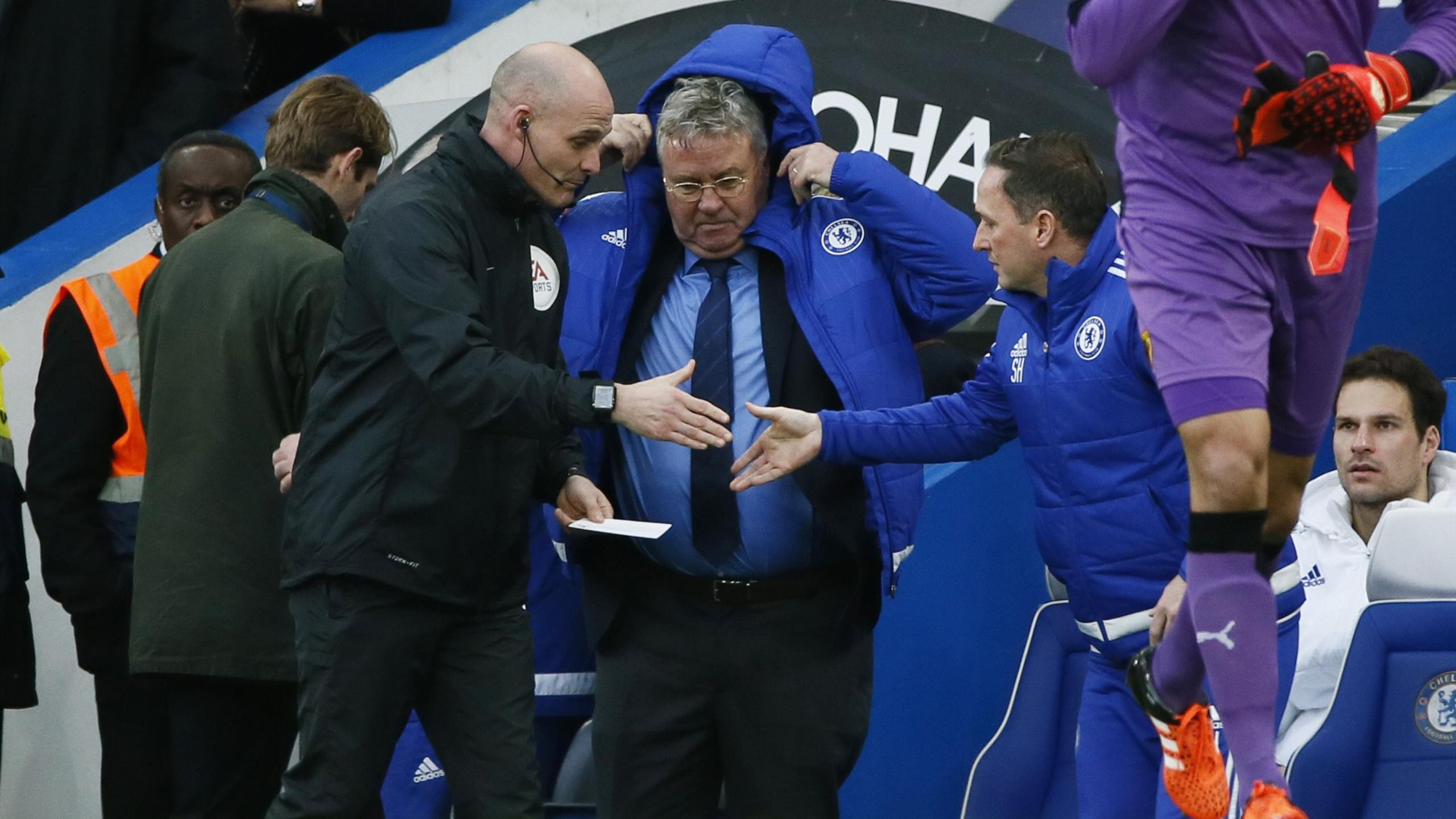 Chelsea manager Guus Hiddink and assistant manager Steve Holland before the match