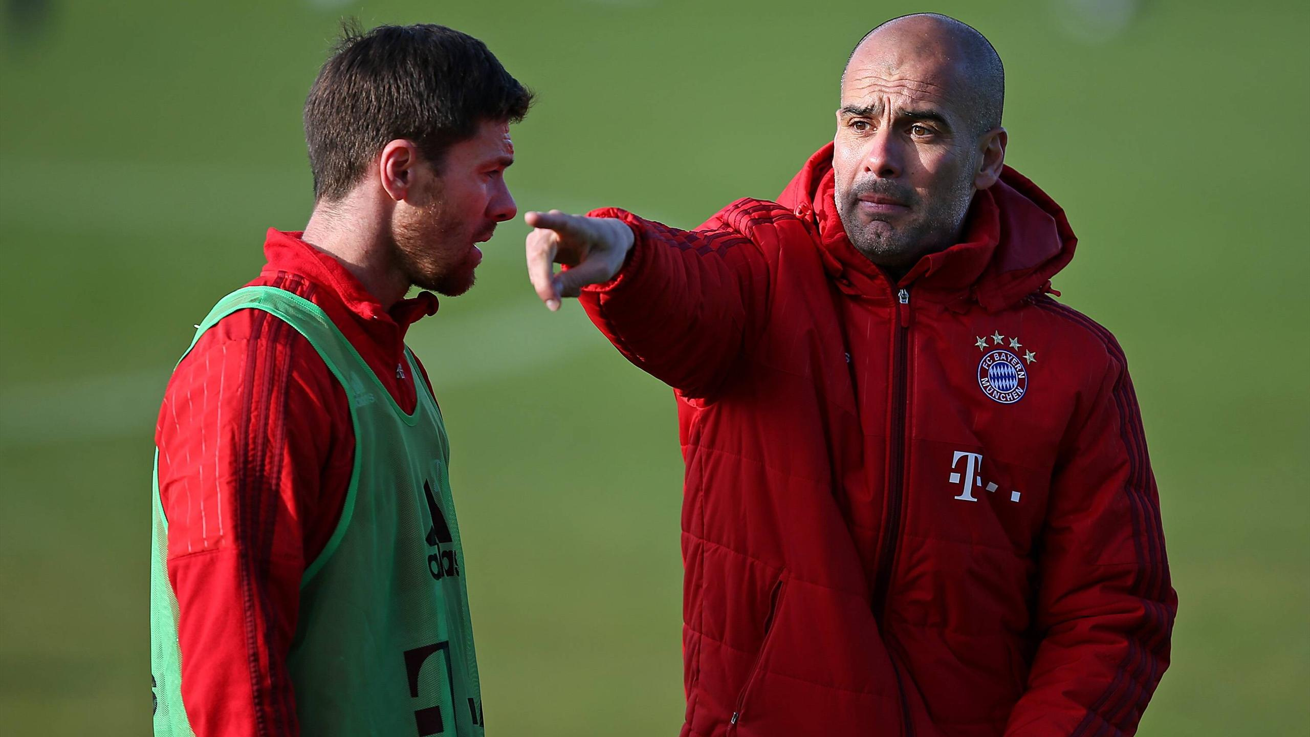 Pep Guardiola und Xabi Alonso