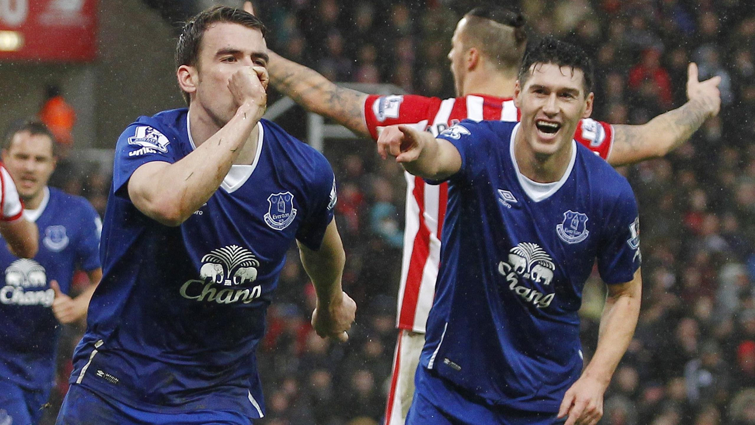 Everton's Seamus Coleman celebrates with Gareth Barry after scoring against Stoke