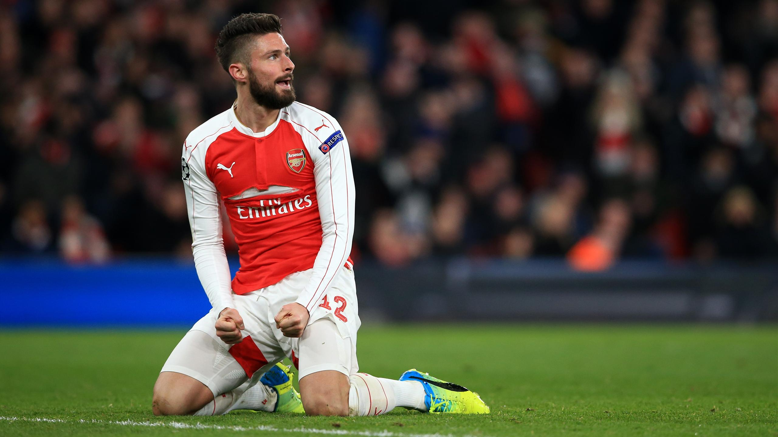 Arsenal's Olivier Giroud rues a missed chance