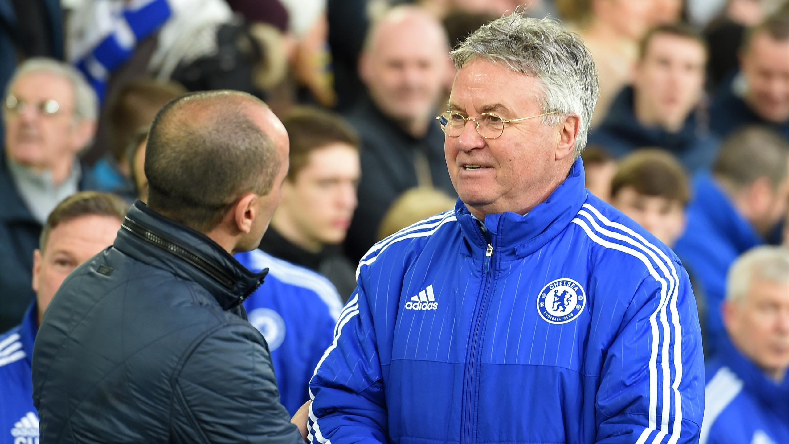Guus Hiddink greets Roberto Martinez