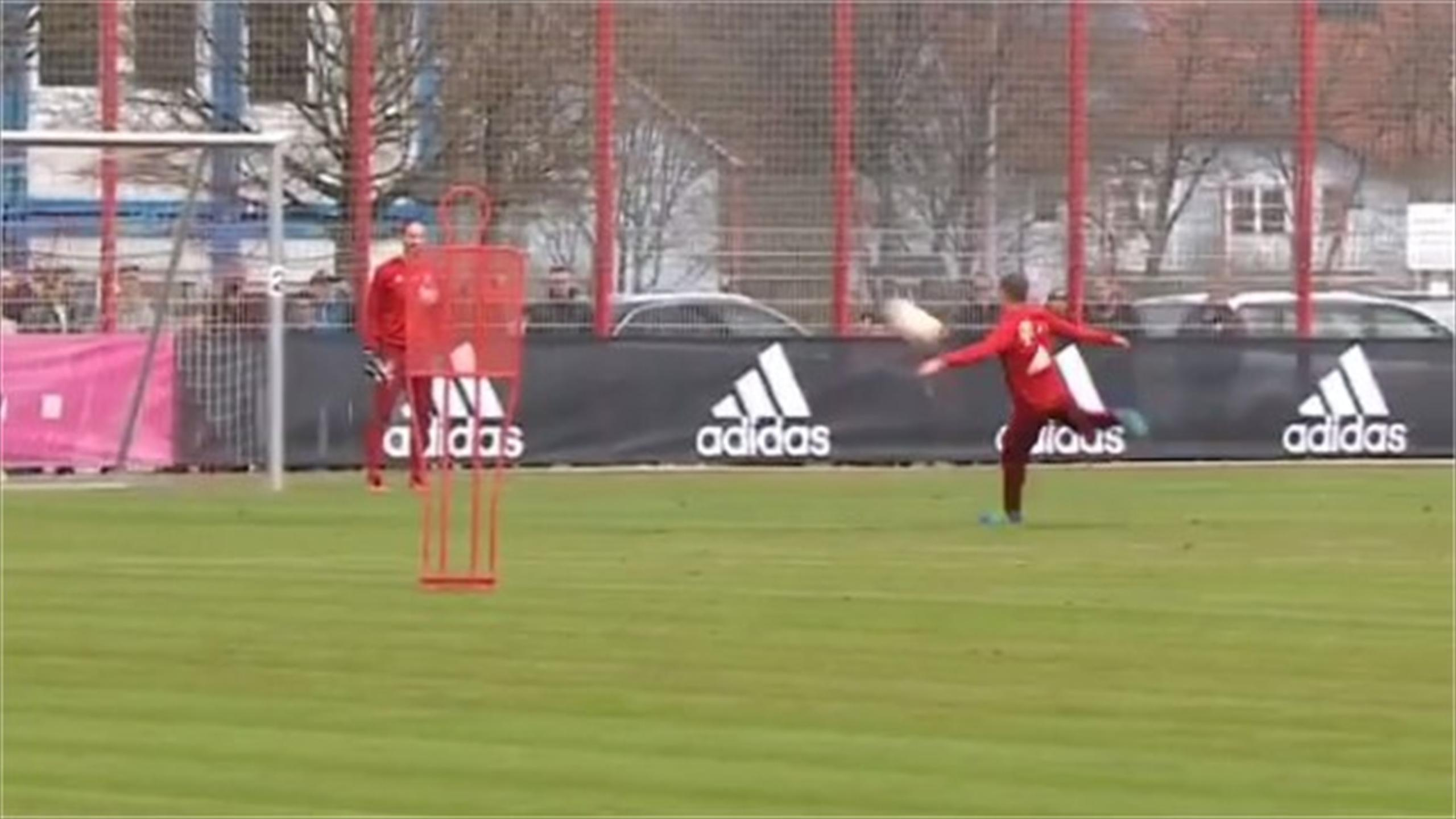 Watch Philipp Lahm's stunning volley into the top corner in Bayern Munich training (Instagram)
