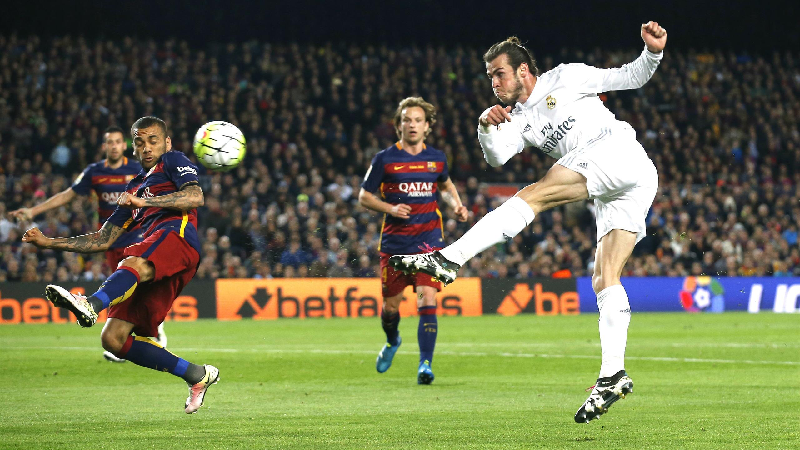 Real Madrid's Gareth Bale takes a shot against Barcelona