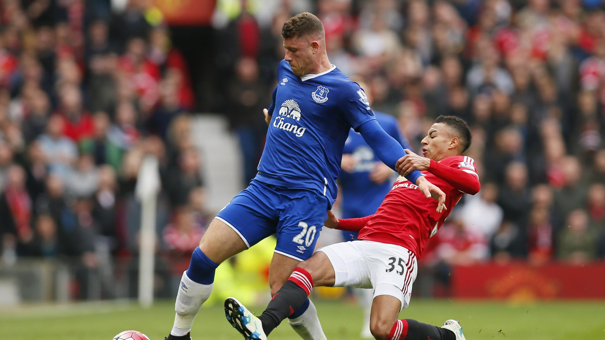 Everton's Ross Barkley in action with Manchester United's Jesse Lingard