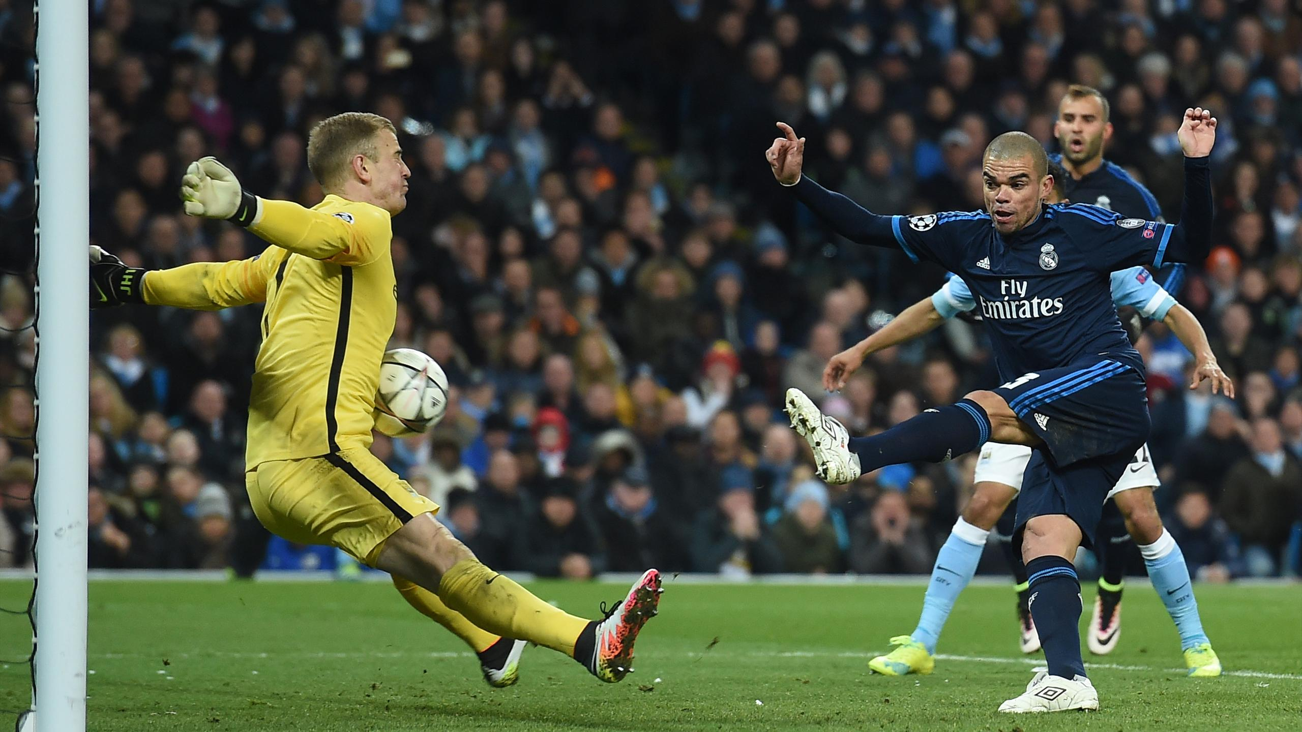 Joe Hart devant Pepe (City-Real)