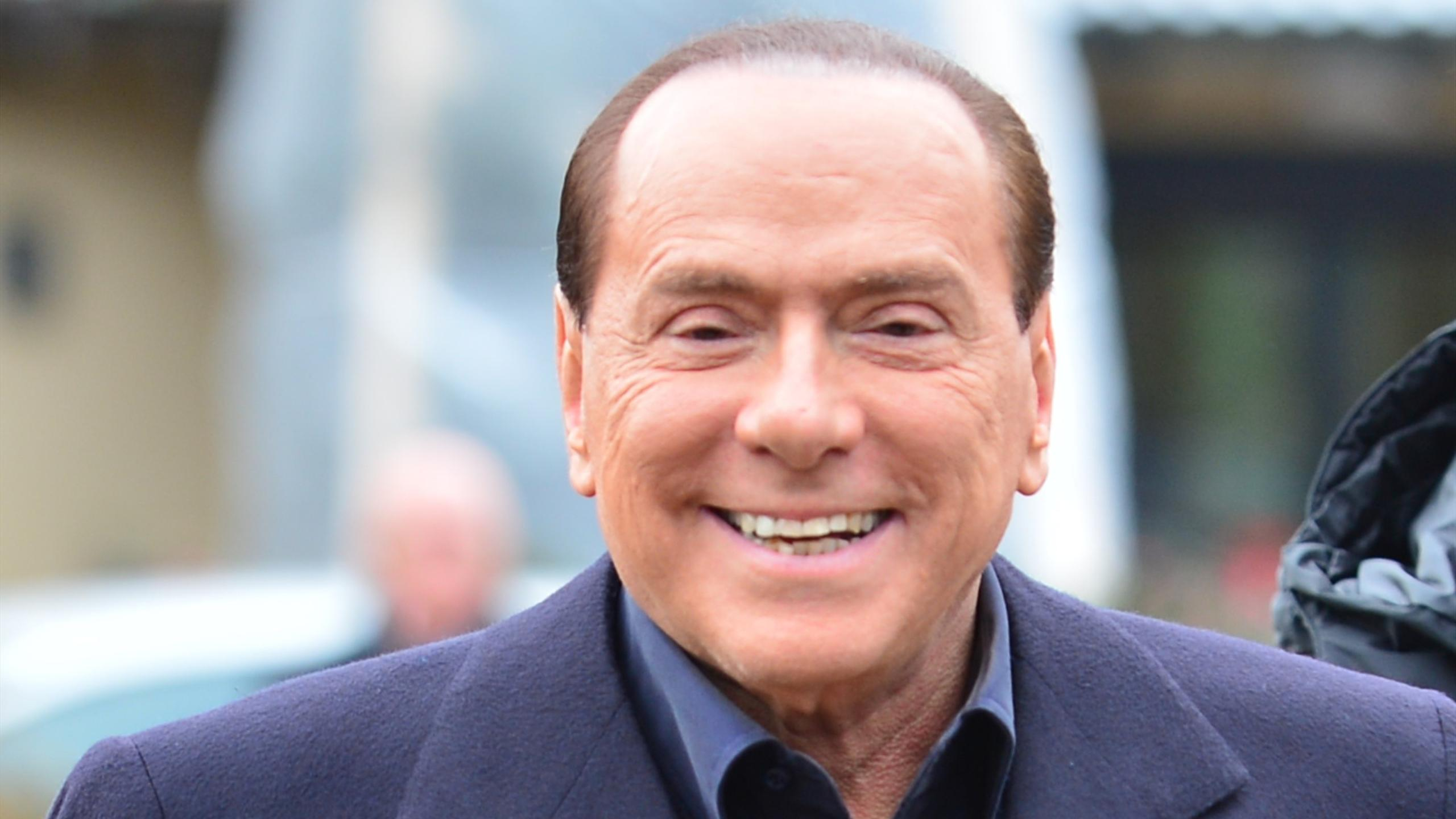 Italy sexism row: Silvio Berlusconi says being mayor is not a ...