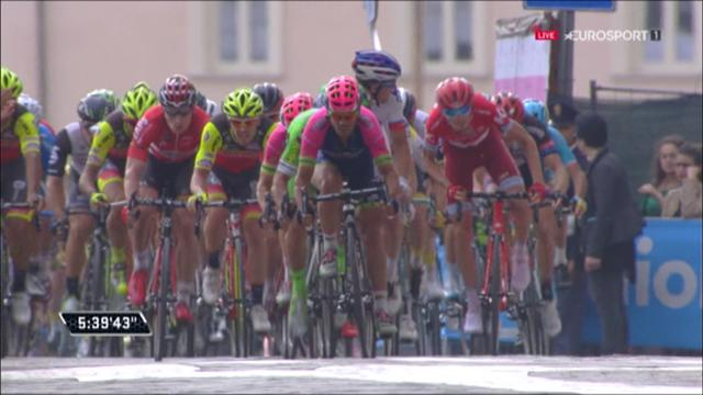 Stage five finish: Andre Greipel steams clear to win