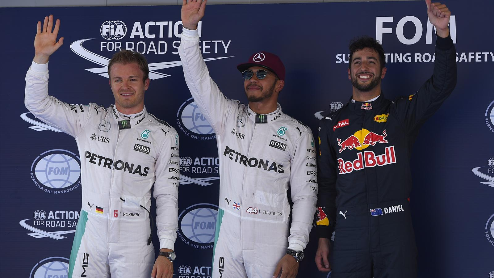 Lewis Hamilton takes pole while Daniel Ricciardo smiles in Spain - Formula 1 - Eurosport Asia