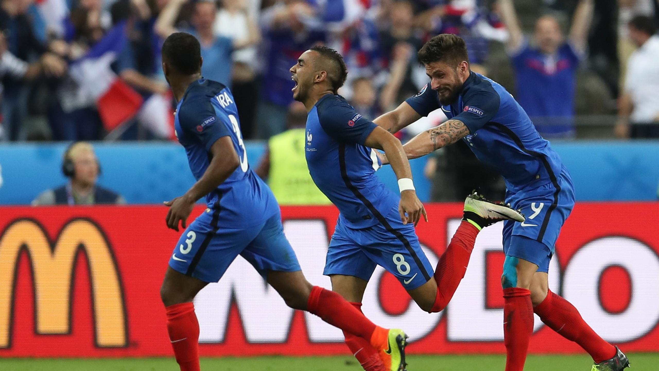 France's Dimitri Payet celebrates after scoring their second goal with team mates