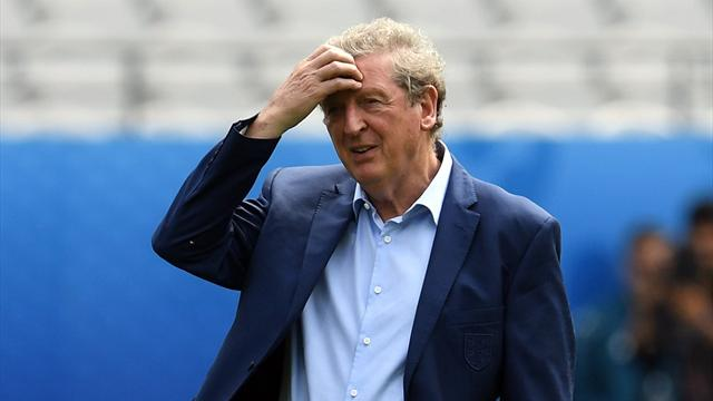 Hodgson rend son tablier