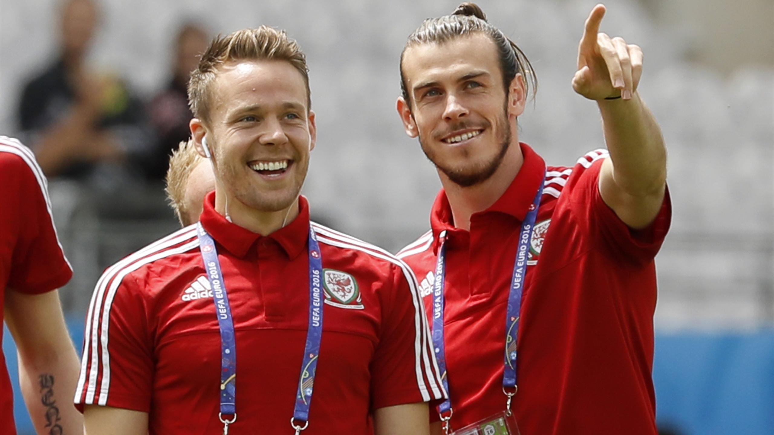 Wales' Chris Gunter and Gareth Bale (R) before the game