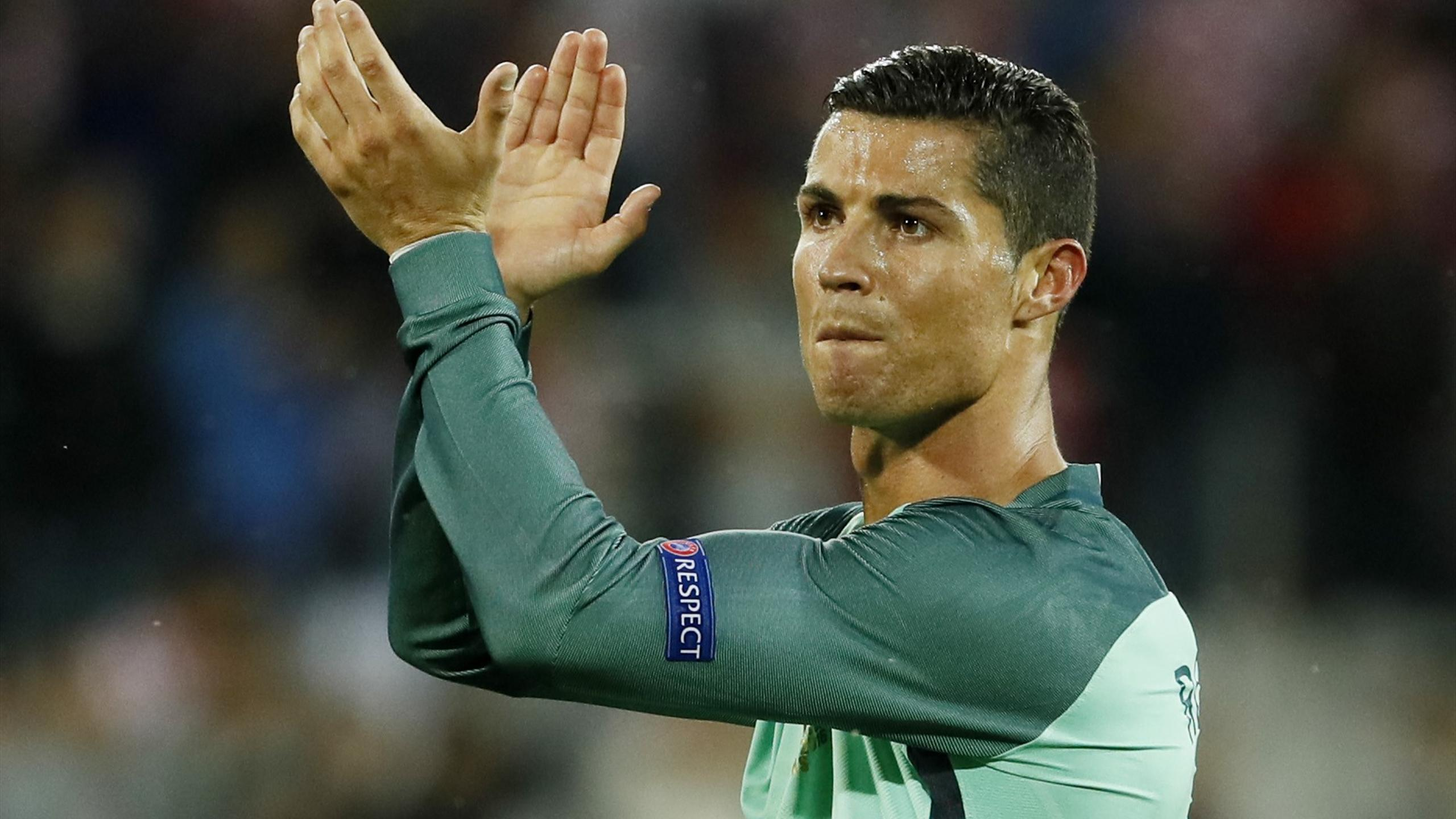 Portugal's Cristiano Ronaldo applauds fans after the game against Croatia at Euro 2016