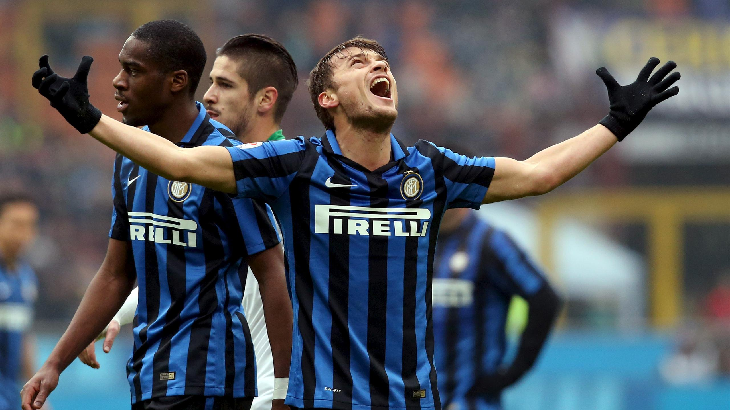 Adem Ljajic reacts after missing a goal opportunity against Sassuolo