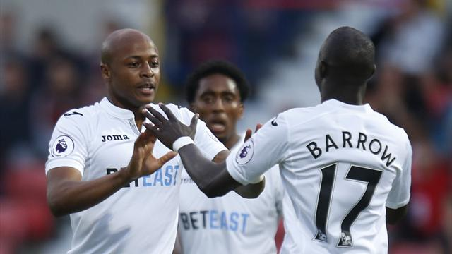 West Ham breaks club's transfer record to sign Ayew