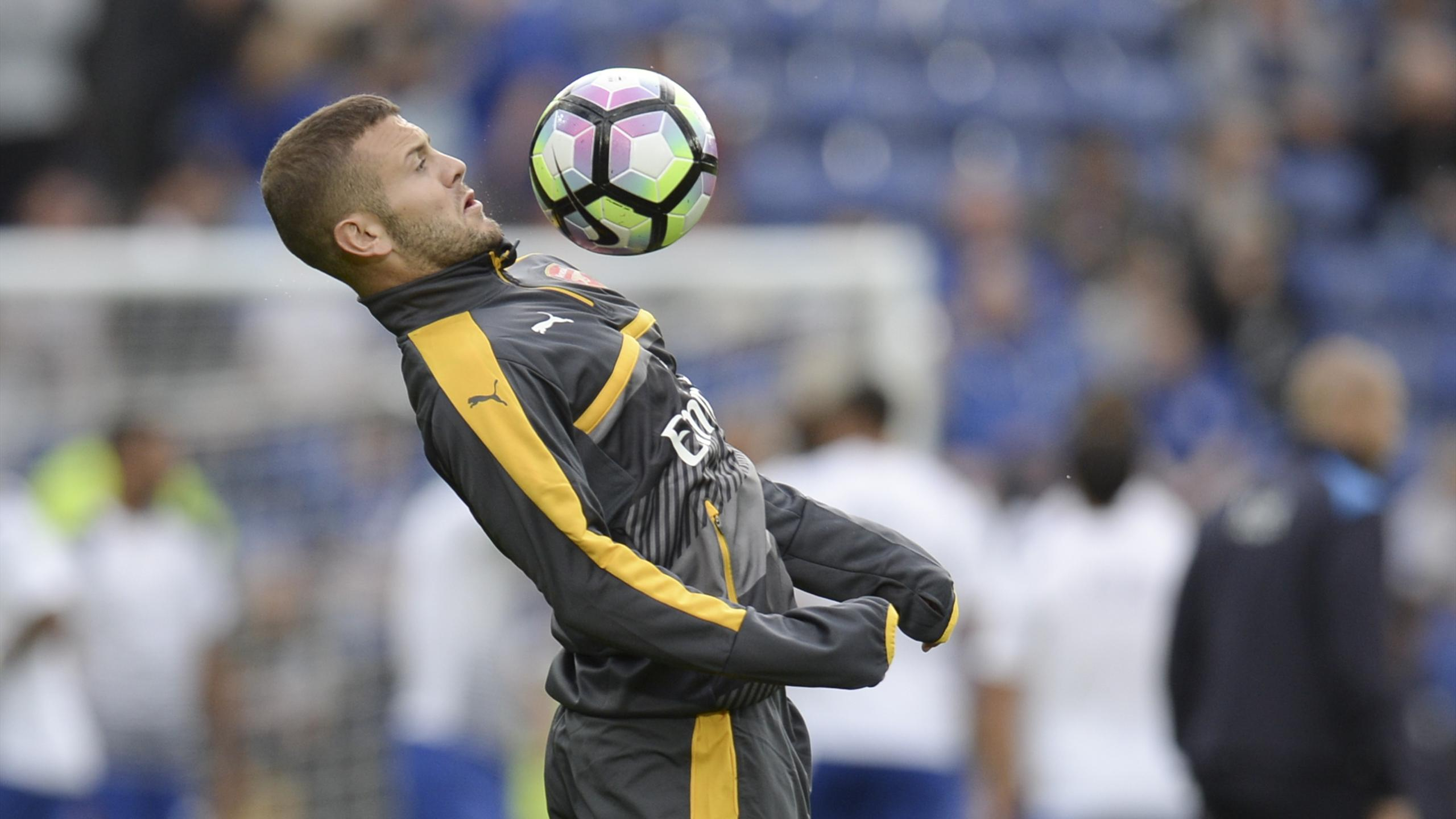 Jack Wilshere warms up