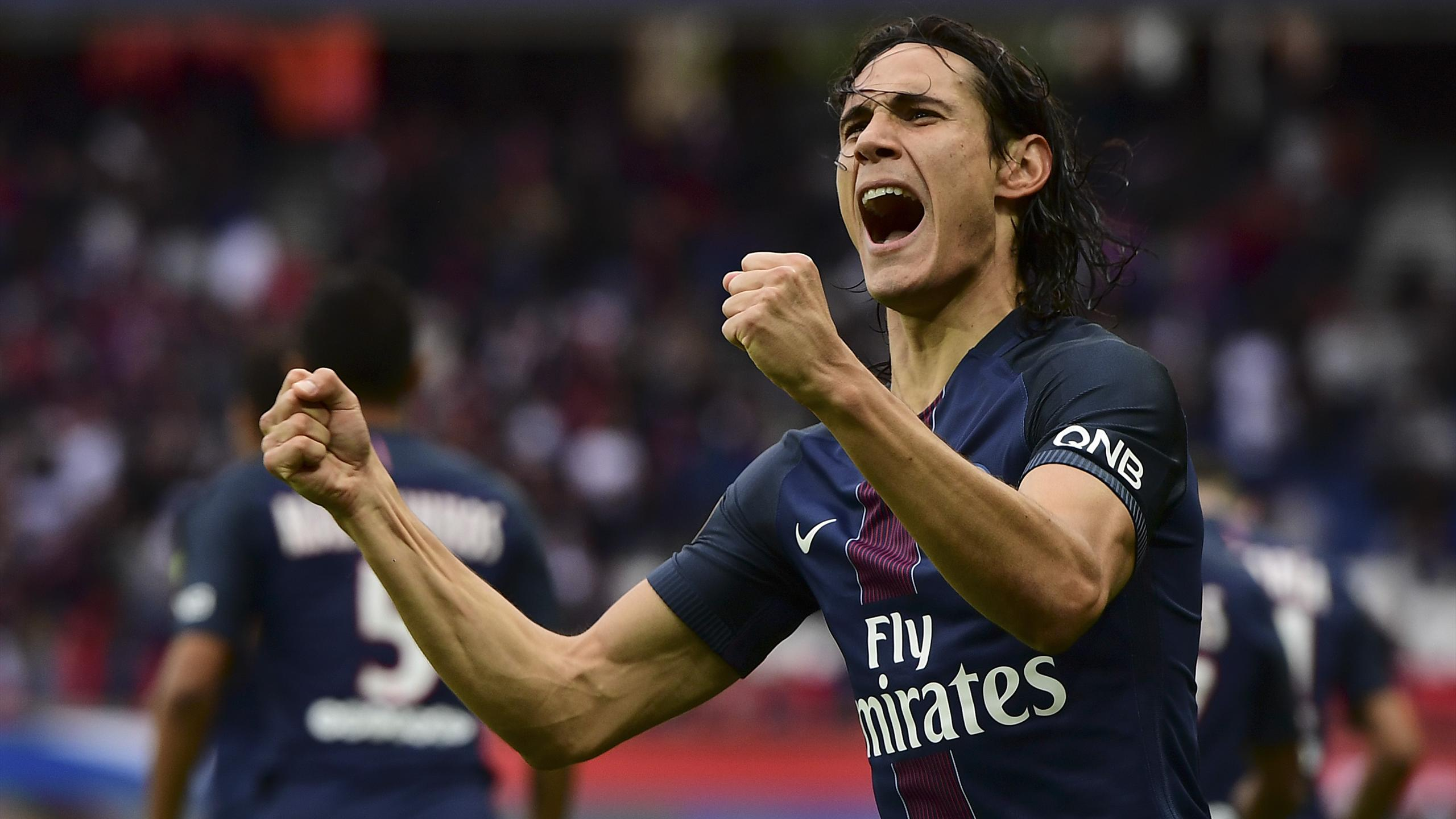 Paris Saint-Germain's Uruguayan forward Edinson Cavani celebrates his goal during the French L1 football match between Paris Saint-Germain and Bordeaux