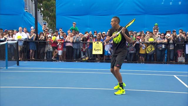 Connors sends tweet offering to coach Kyrgios