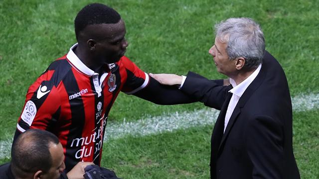 "Favre : ""On discute pour Balotelli"""