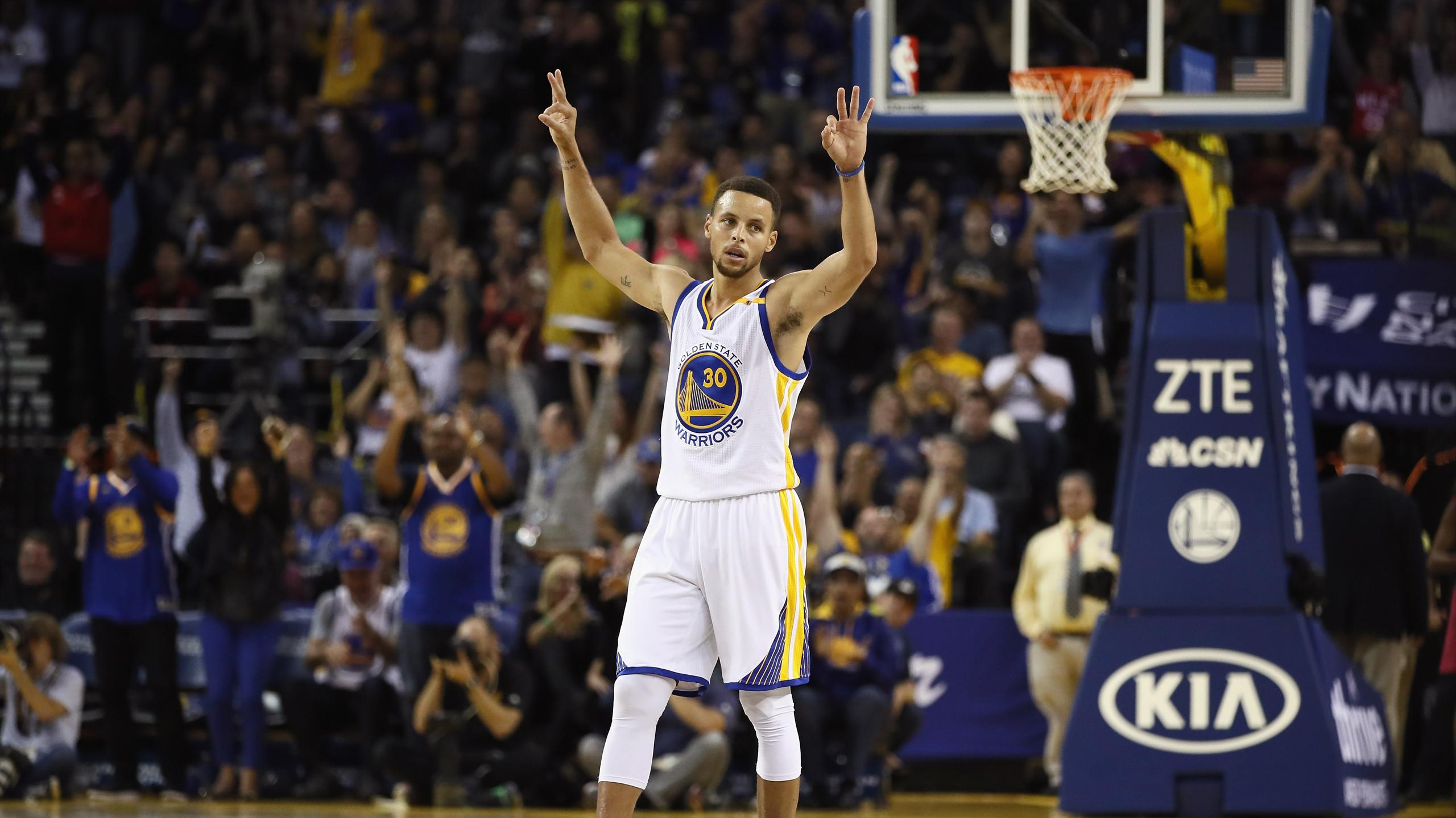 Stephen Curry of the Golden State Warriors reacts after making a three pointer against the New Orleans Pelicans at ORACLE Arena