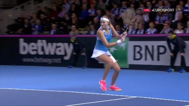 'There's no sign of it ending' - Mladenovic smashes backhand to make it 14-14