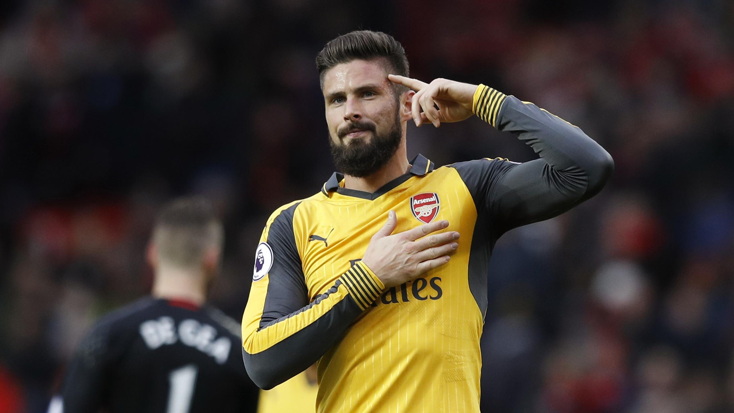Olivier Giroud celebrates after the game