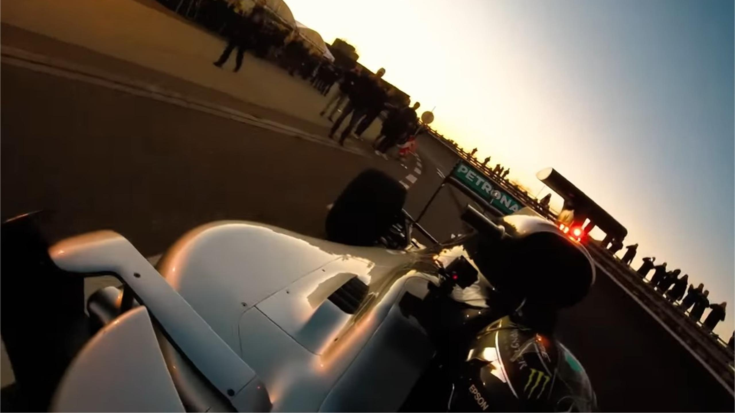 Nico Rosberg marks 'last drive in Mercedes W07' with crazy – and pretty dangerous – selfie (Youtube)