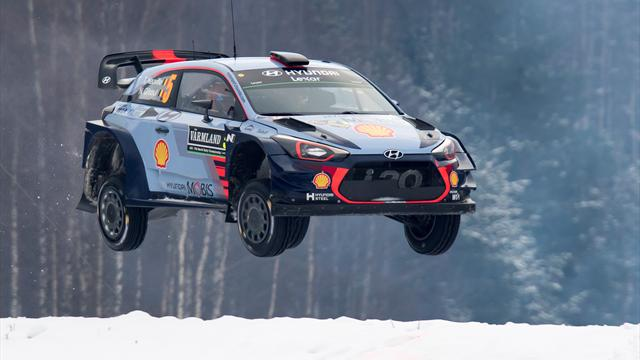 Neuville crash sets up three-way fight for win
