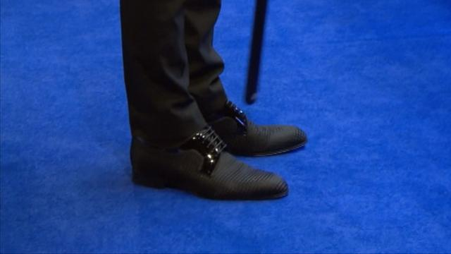 Judd Trump shows off his new shoes