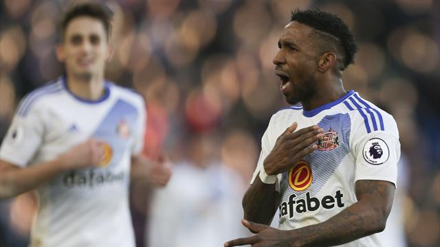 Defoe earns England recall, Southgate names four uncapped players