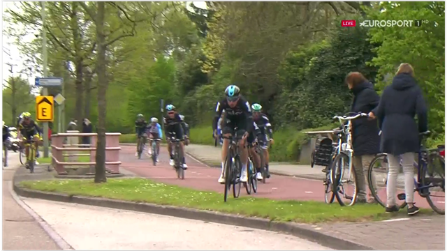 Team Sky bunny-hop over kerb in Amstel Gold Race