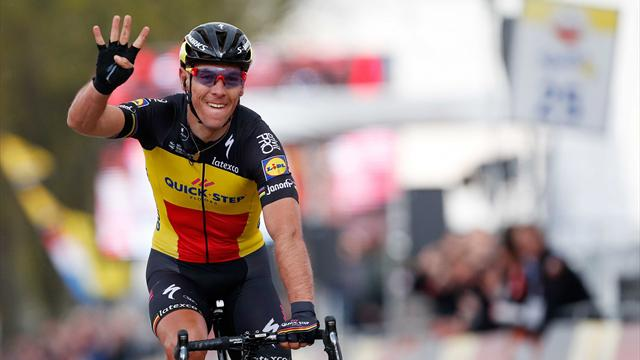 Gilbert beats Kwiatkowski to win Amstel Gold Race