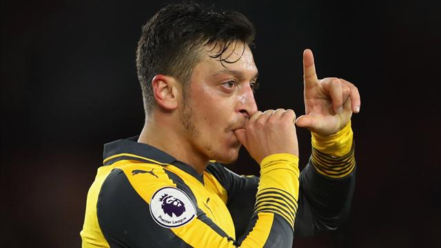 Arsenal contract rebel Mesut Ozil 'has heart set' on Manchester United move