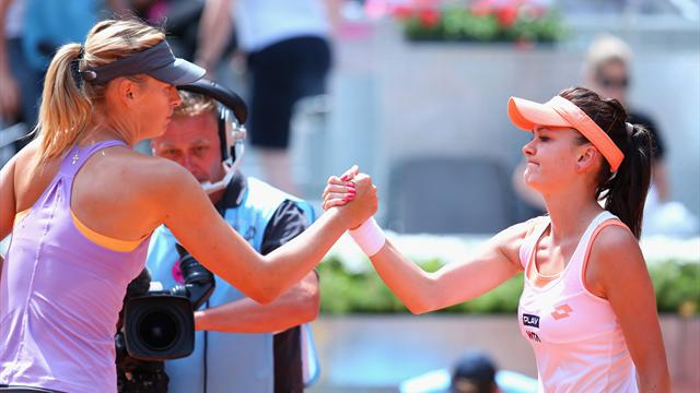 Sharapova should not get French Open wildcard, says rival Radwanska