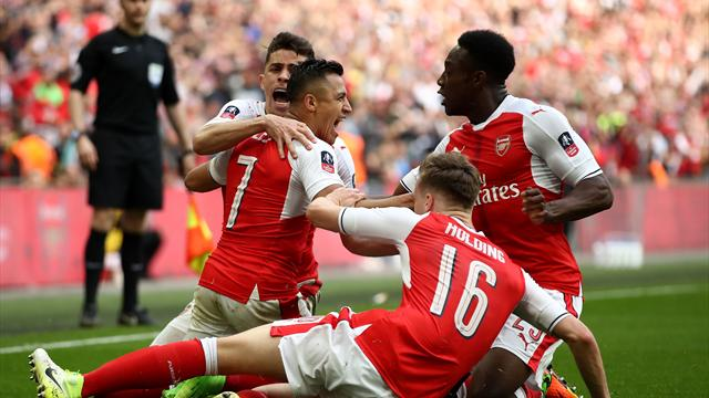 Sanchez hits extra-time winner as Arsenal edge FA Cup semi
