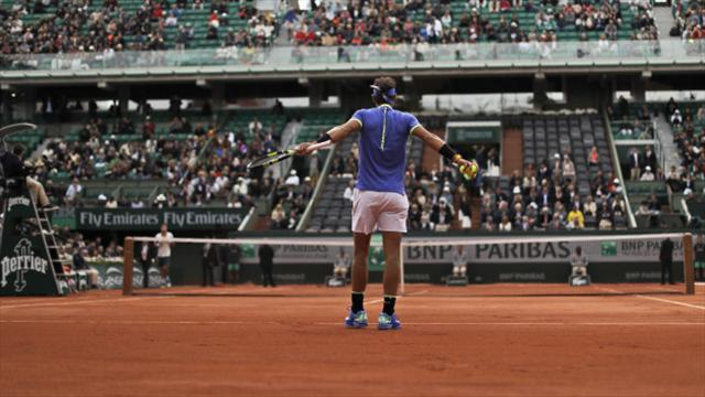 Djokovic advances into French Open qaurters