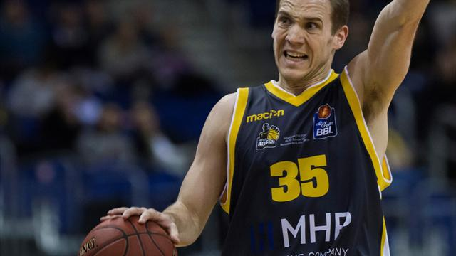 EWE Baskets Oldenburg holen Guard Loesing