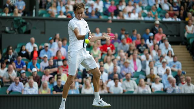 Daniil Medvedev Melts Down At Wimbledon, Tosses Money At Umpire's Chair