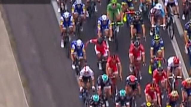Bouhanni lashes out at Quick-Step rider during Stage 10